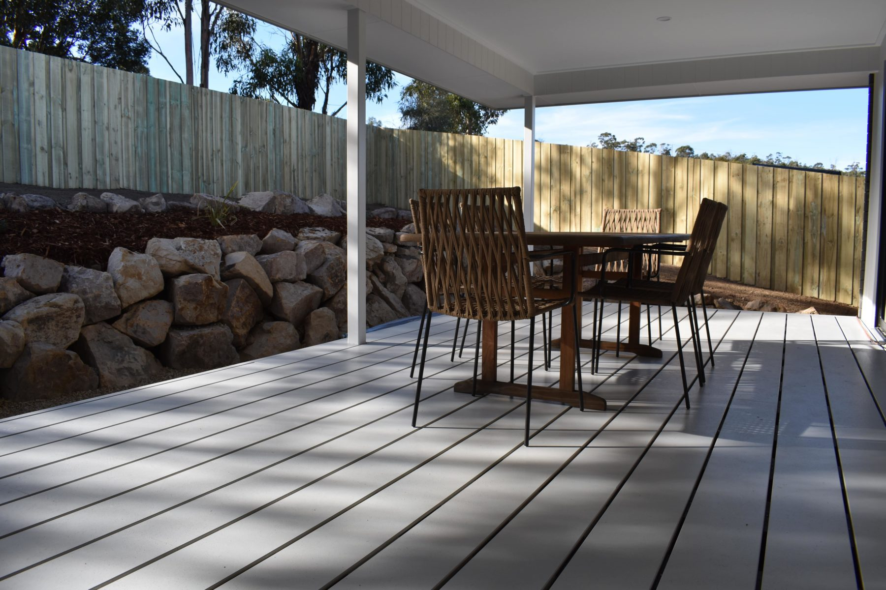 Cavalier Homes Display Home Deck - Products supplied by Clennett's Mitre 10